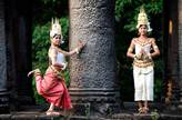 Private Guide tour to Kbal Spean & Banteay Srei (1 day)